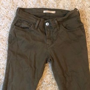 ❤️Levi's Skinny Army Green Jeans (Size 26)